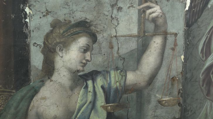 A detail of the discovered paintings.