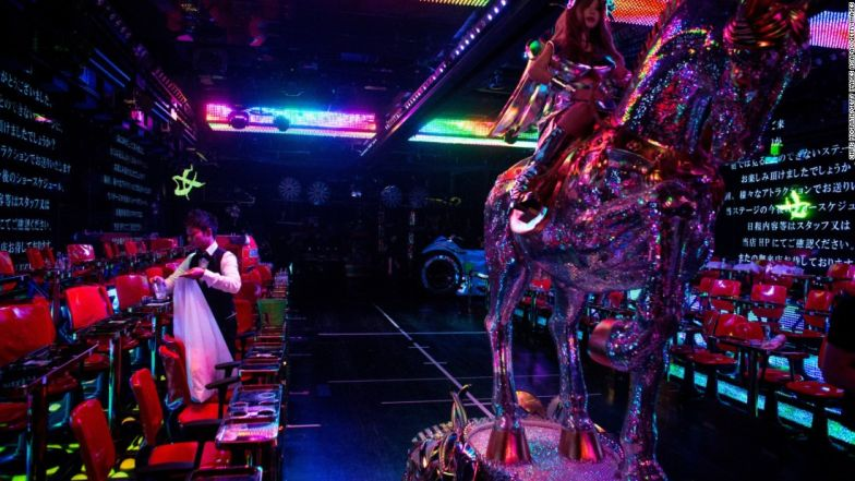 tokyo robot restaurant 3