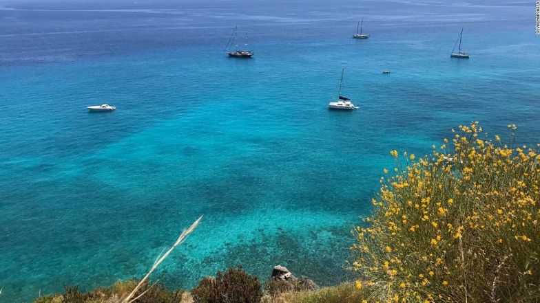 Aeolian-islands-Lipari-white-beach-Silvia-Marchetti