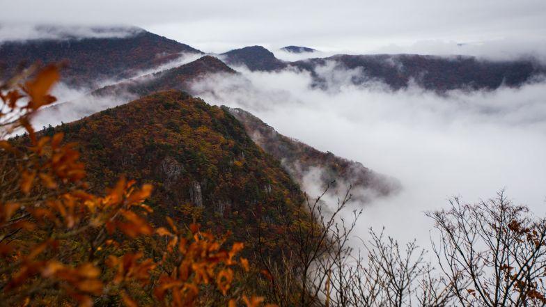 Climb the second highest peak on Jiri Mountain.
